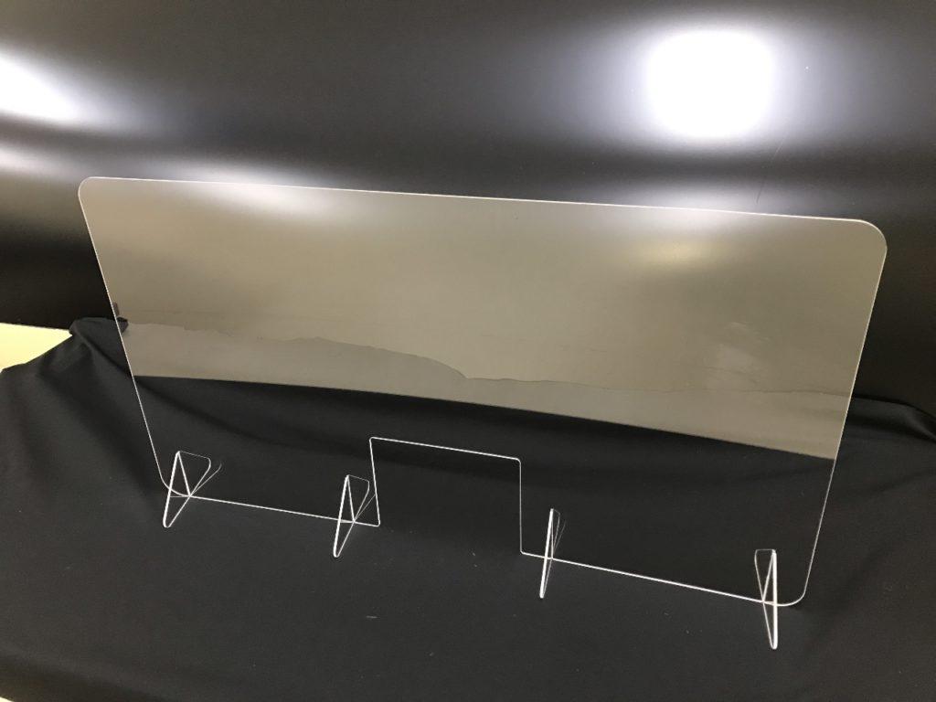 透明アクリル 厚み 3mmの量産切削加工